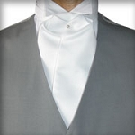 TRADITIONAL WHITE ASCOT TIE - PRE TIED